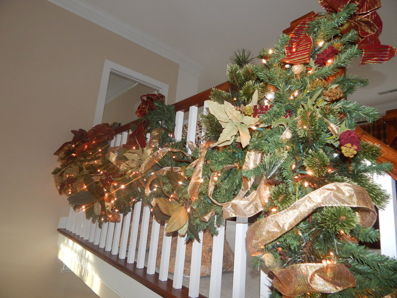 Holiiday Decorating Services LKN