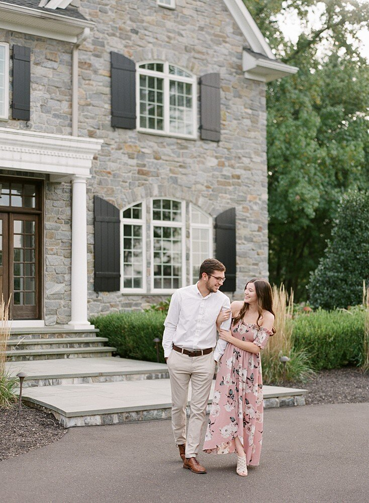philadelphia-wedding-photographer-private-estate-engagement-shoot-laura-eddy-photography_0014