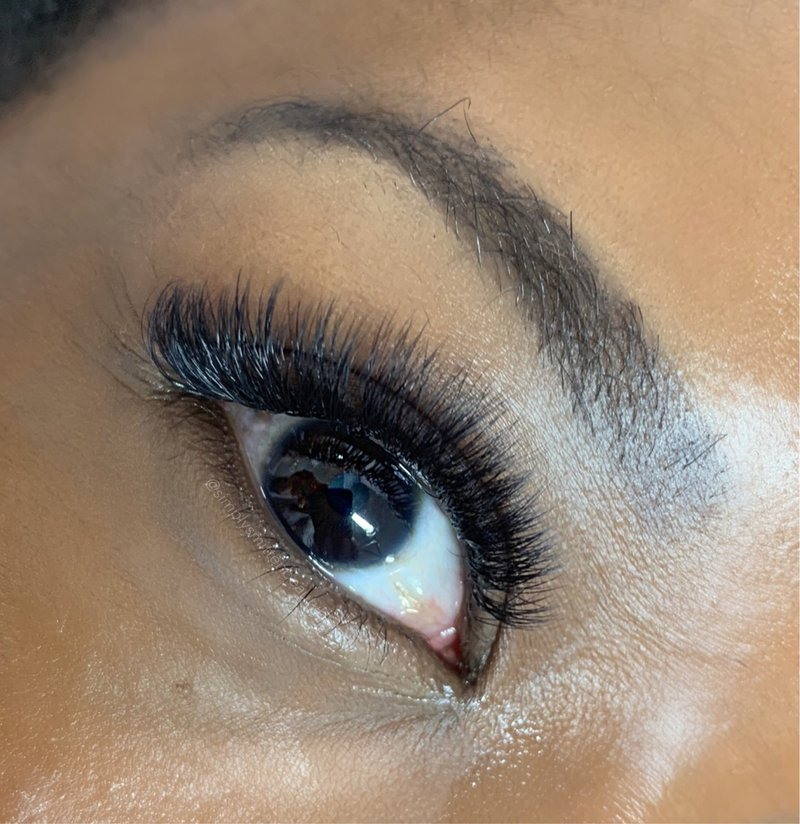 Charleston style volume lash extensions