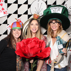 alice in wonderland photobooth