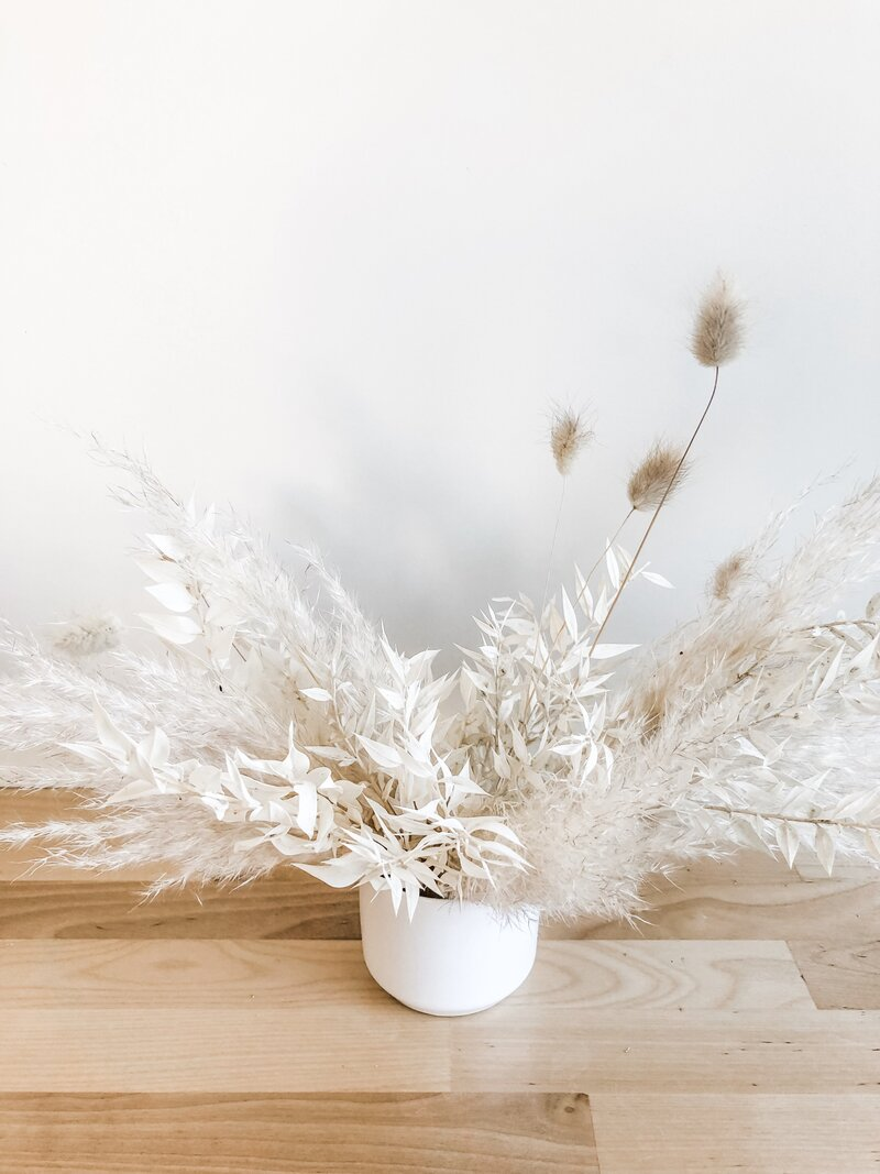 scottsdale-florist-neutral-dried-arrangment