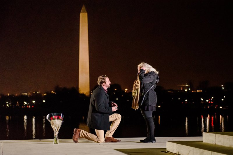 Marriage-Proposal-Jefferson-Memorial-Night-BSP