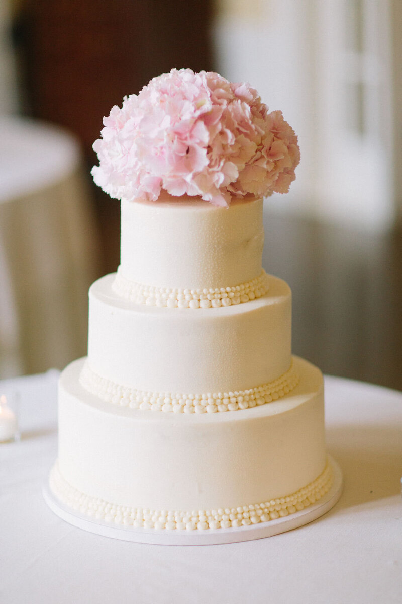 sweet-mandy-b-wedding-cake