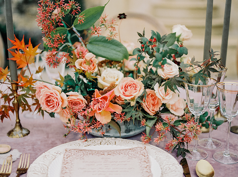 Babsie-Ly-Photography-Malibu-Rocky-Oaks-Wedding-Fine-Art-Destination-Photographer-Joy-Proctor-latavolalinen-plenty-of-petals-tablescape-005