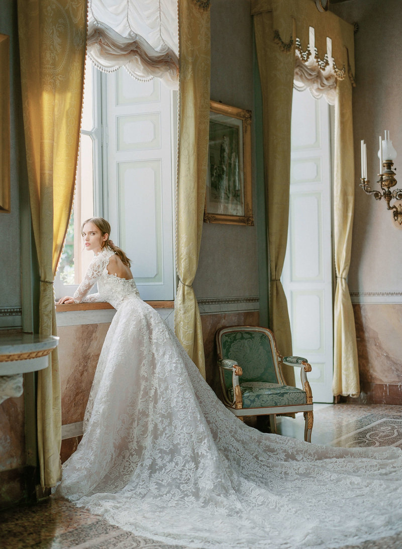 14-ktmerry-MoniqueLhuillier-Bridal-LakeComo-Italy