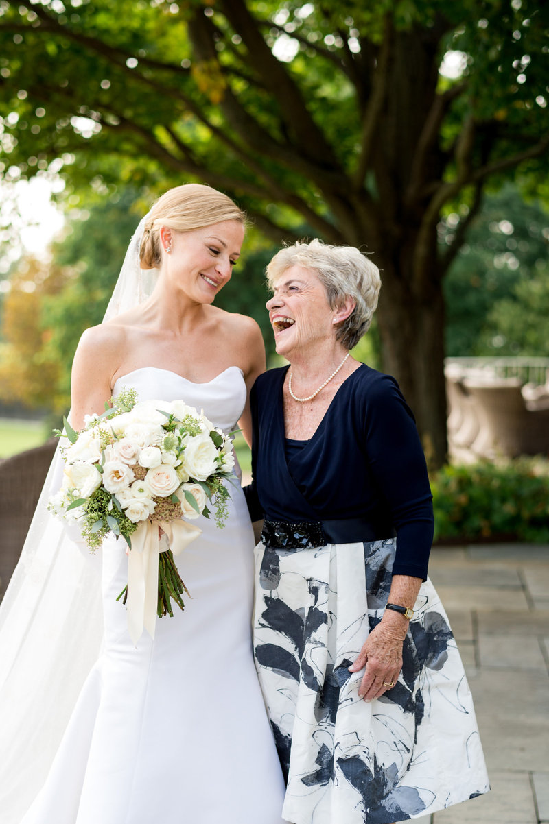 wedding-family-portraits-with-grandmother