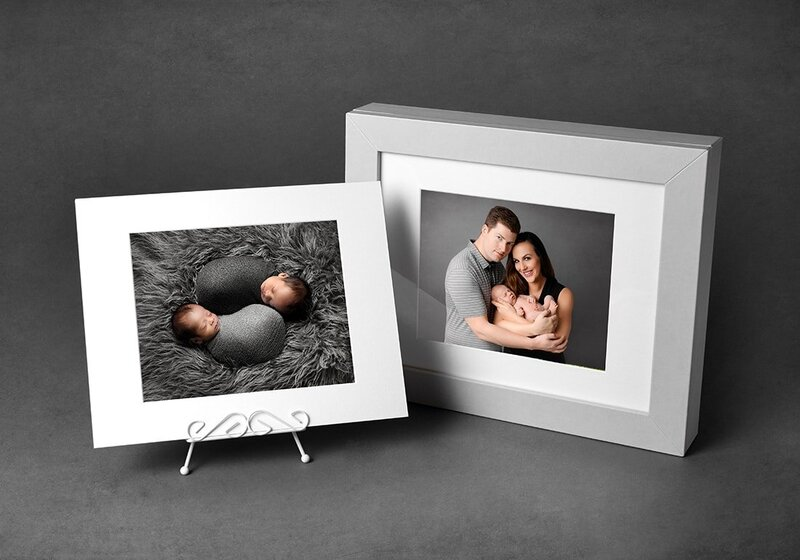 Display your Vancouver maternity photos in beautiful custom print boxes by Amber Theresa Photography.
