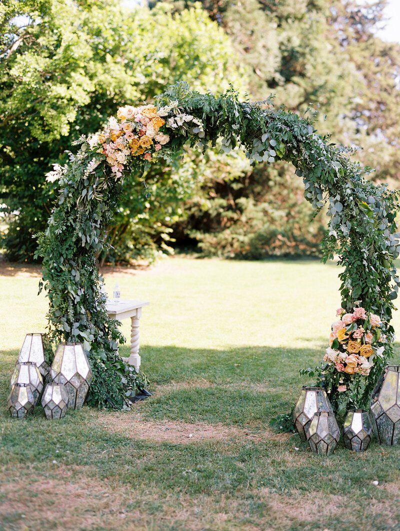 Floral Moon Gate Circle Arch for Outdoor Ceremony