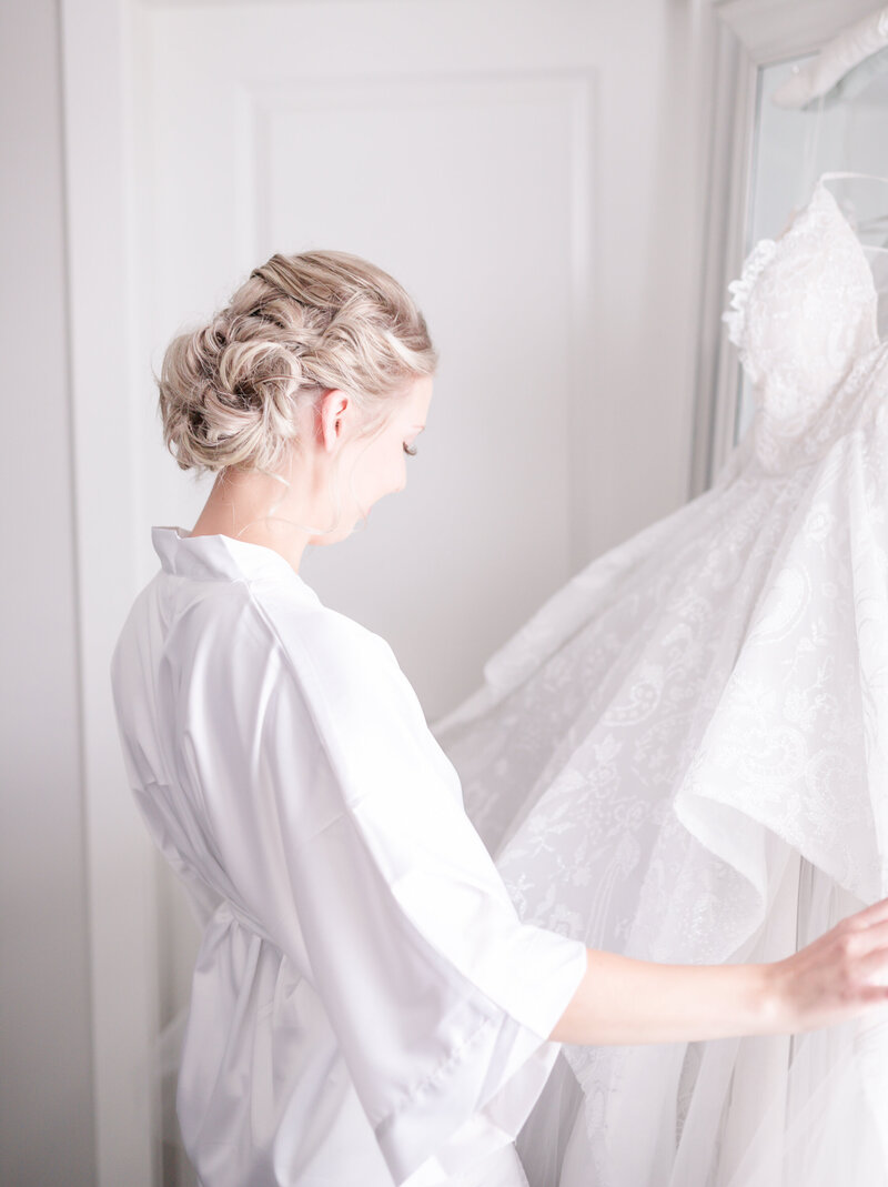 kelowna wedding photographer victoria blaire bridal getting ready