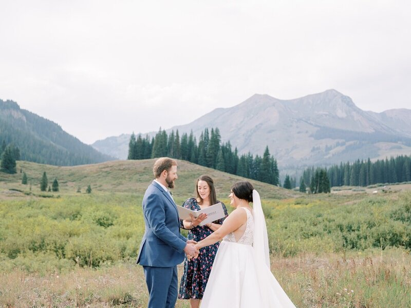 Joyful and Playful Wedding in Crested Butte_0013