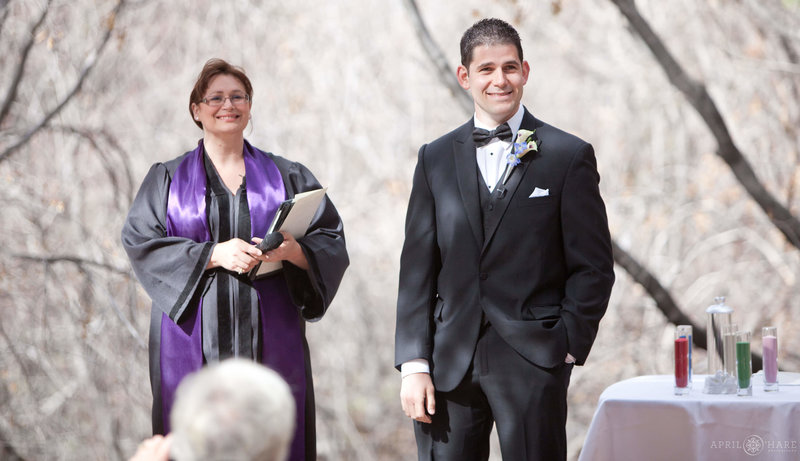 Colorado-Wedding-Officiant-Reverend-Kim-Tavendale