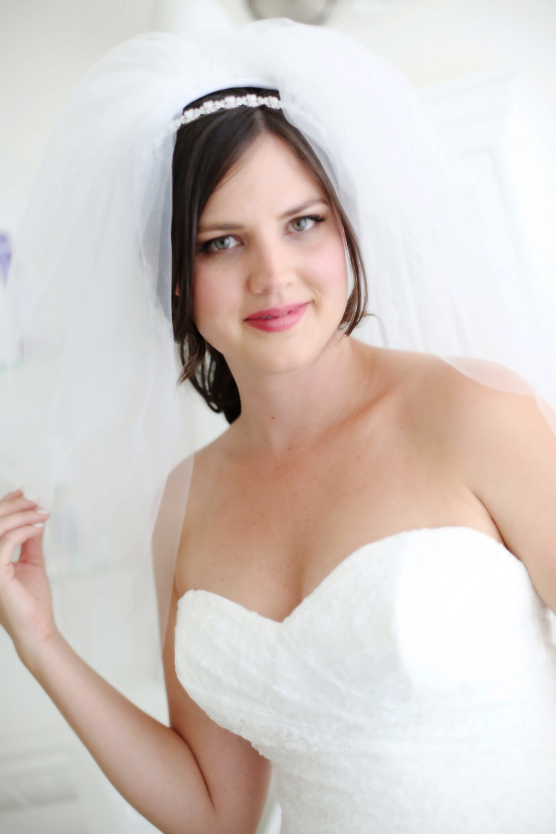 bride portrait, beautiful bride