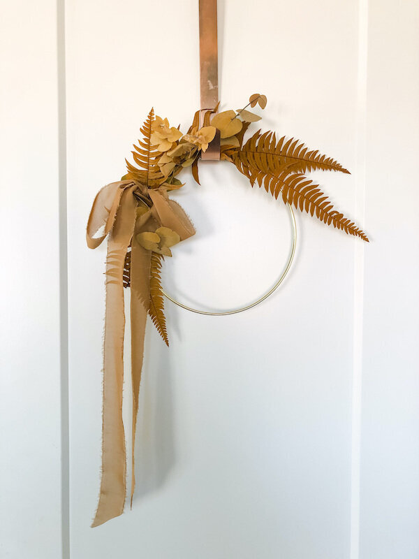 dried-floral-door-wreath