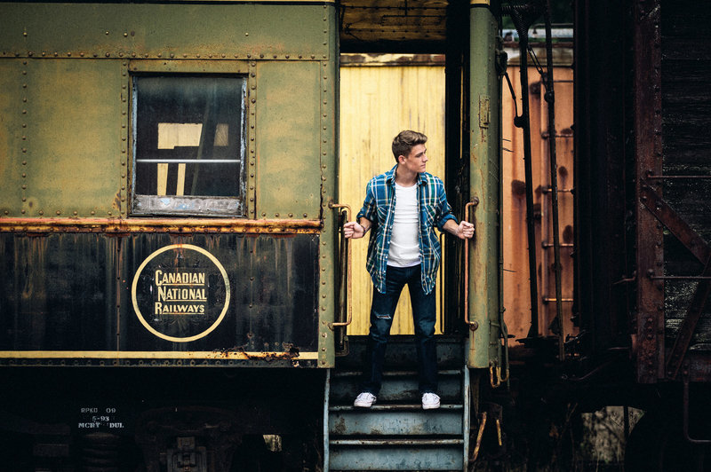 senior-pic-boy-and-train