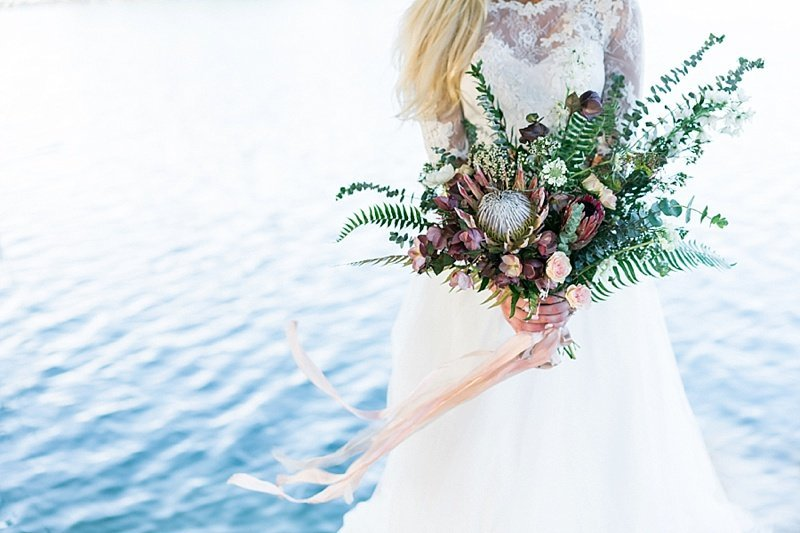 Nebraska-Wedding-Planner-And-Floral-Designer-Lakeside-Wedding-Inspiration-Lindsay-Elizabeth-Events26