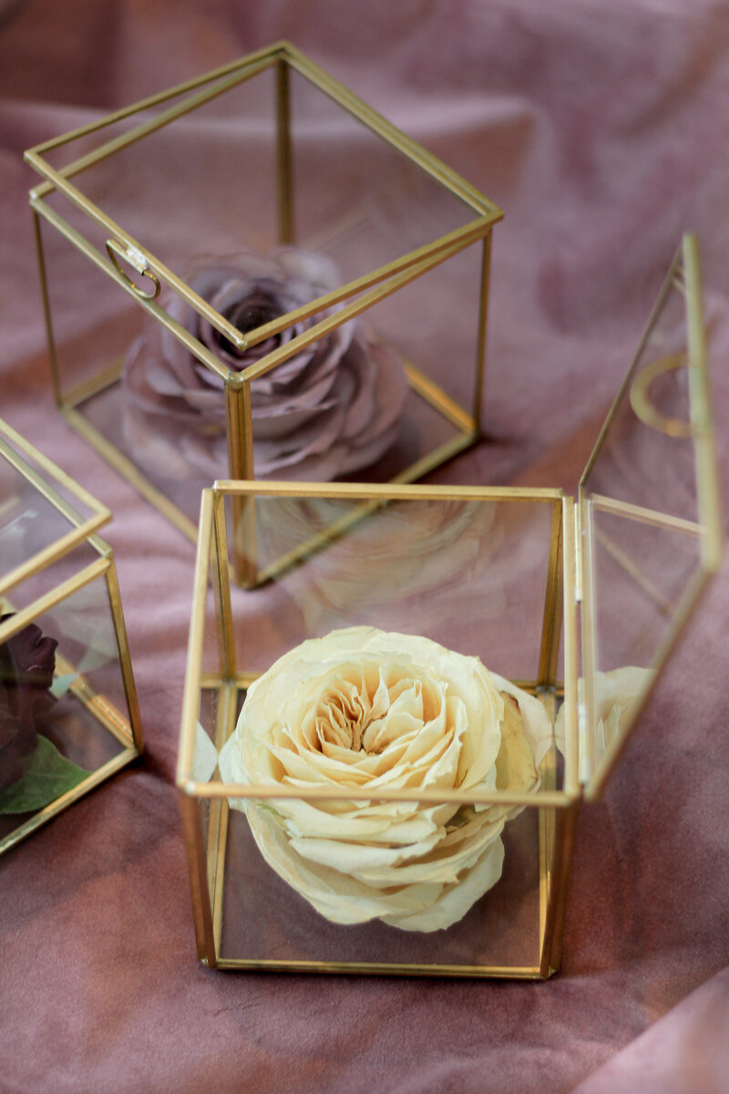 greenwich-new-york-preservation-floral-wedding-westchester-bouquet-rose-preserved-26