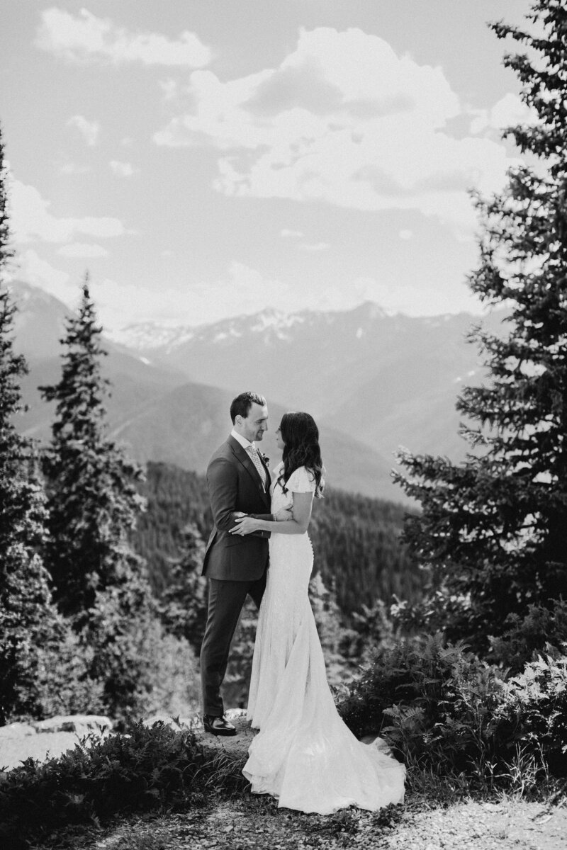 gps-aspen-the-little-nell-wedding-deck-just-married-mountaintop-bw-7