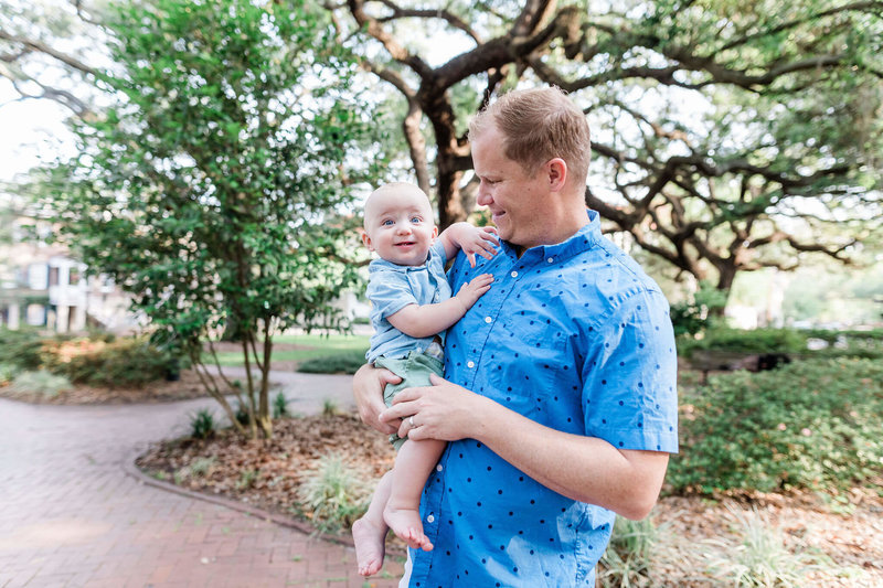 Family session in Historic Savannah by Apt. B Photography