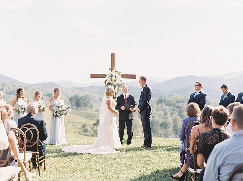 TheRidgeAshevilleWedding_0032
