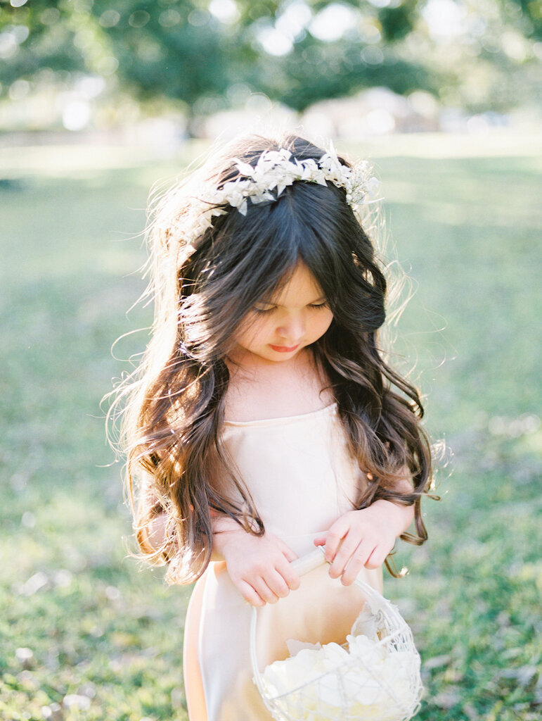 scottsdale-wedding-florist-flower-girl-crown