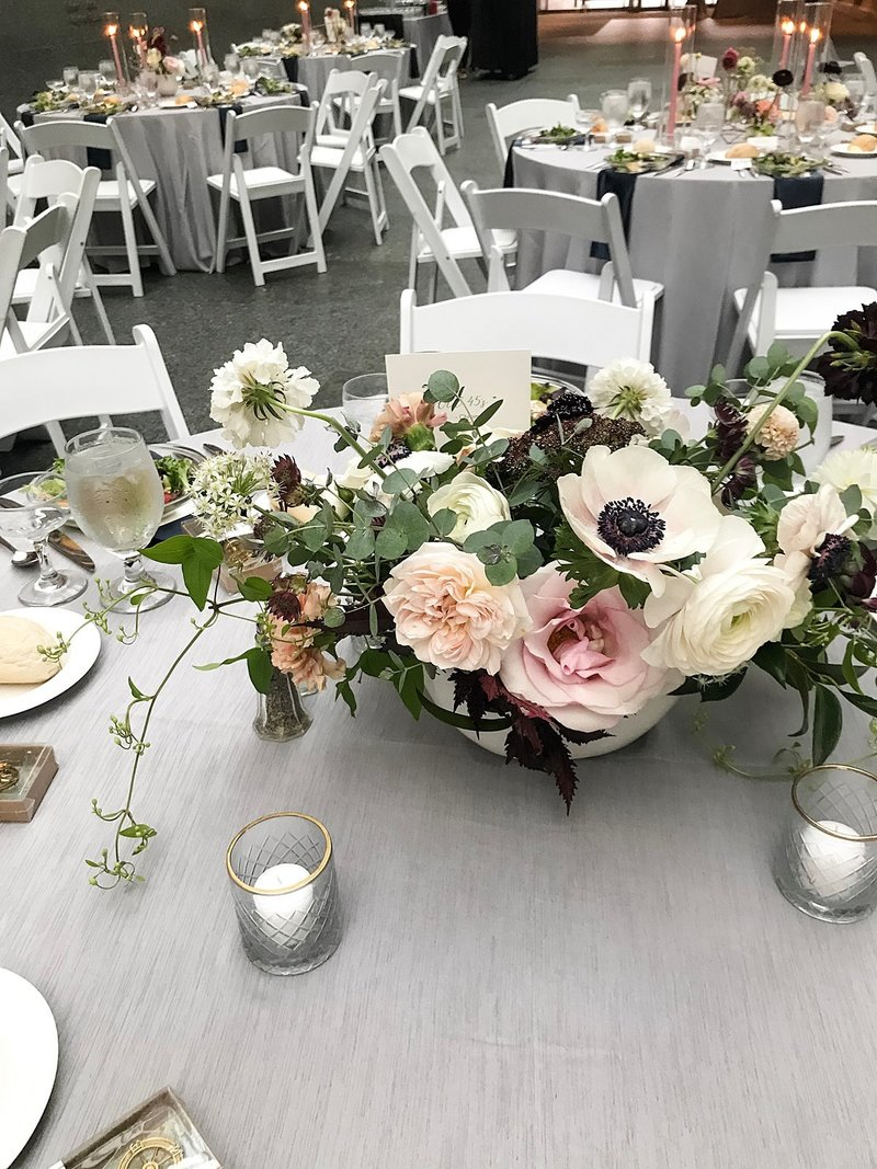 Modern-Black-Tie-Art-Museum-Floral-Wedding-in-blush-and-burgundy-at-the-Joslyn-art-museum-by-Lindsay-Elizabeth-Events-Omaha-Wedding-Florist-and-Coordinator18