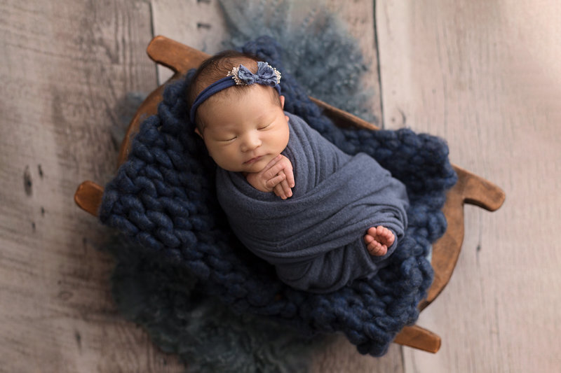 columbus-ohio-newborn-photographer-baby-girl-swaddled-in-navy-blue-amanda-estep-photography