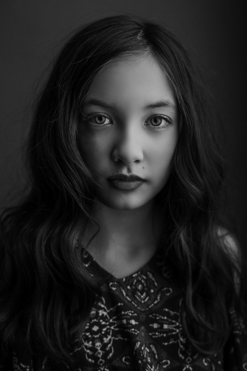 Fine Art-Headshot-B&W-Girl.jpg