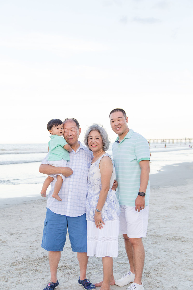 orlando photographer grandparents and family on beach