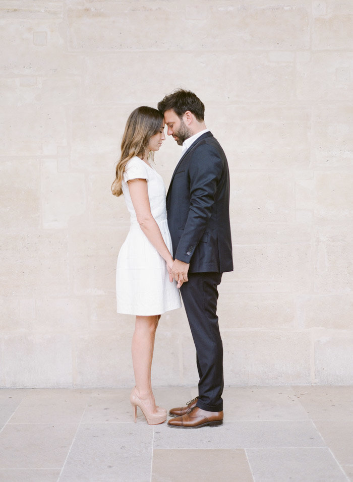 palais-royal-paris-engagement-photographer-jeanni-dunagan-20