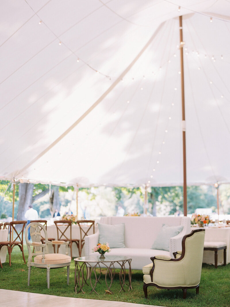 Vintage furniture for summer wedding