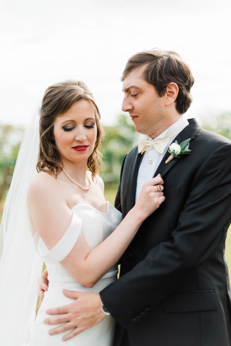 Juliette + Kevin-Upper-Shirley-Vinyards-Charles-City-Virginia-Wedding_Gabby Chapin Photography_00163