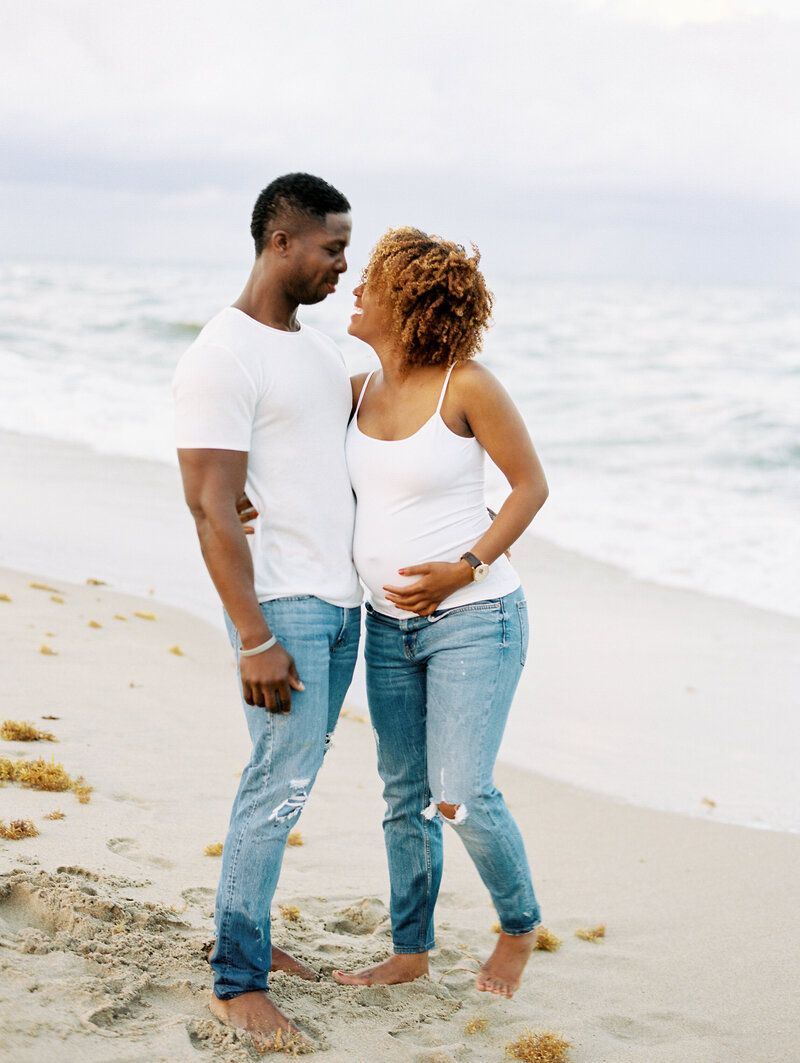 Casual beach maternity session