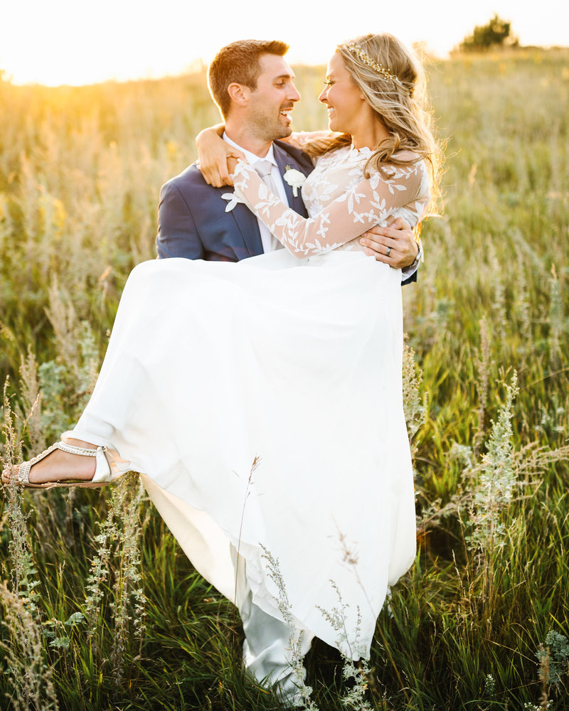 The-Barn-At-Five-Lakes-Resort-Wedding-Golden-Hour