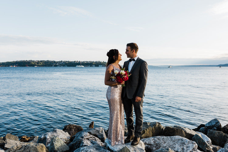 seattle-elopement-photographer-amy-galbraith-downtown-elopement-puget-sound