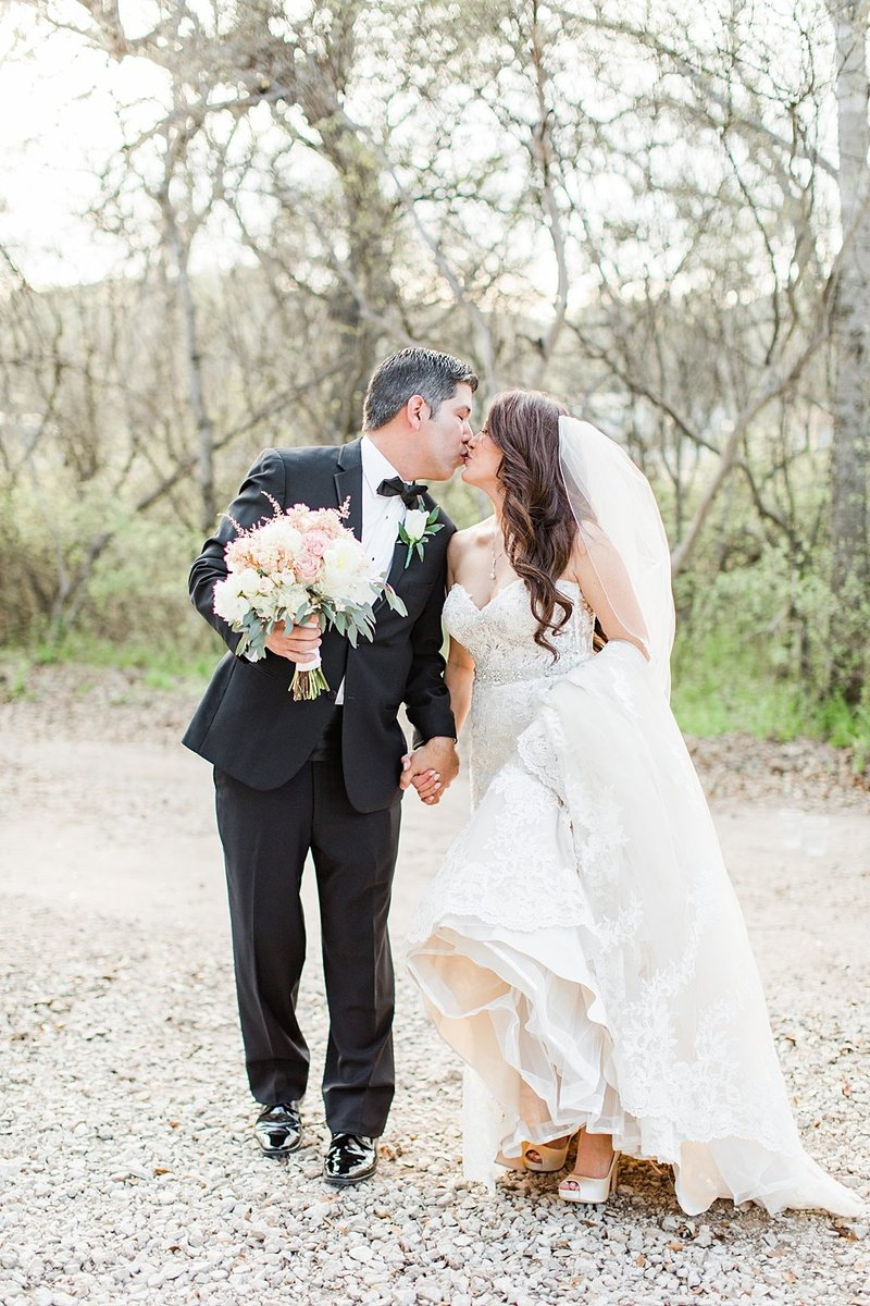 la cantera and the gardens at west green in San Antonio Texas Wedding Venue photos by Allison Jeffers Photography_0052