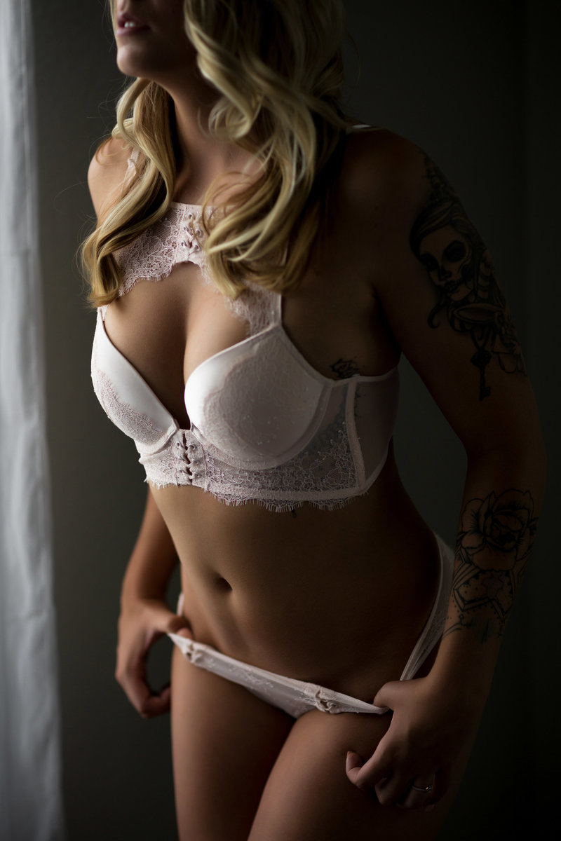 Boudoir-Photography-with-Body-Jewelry