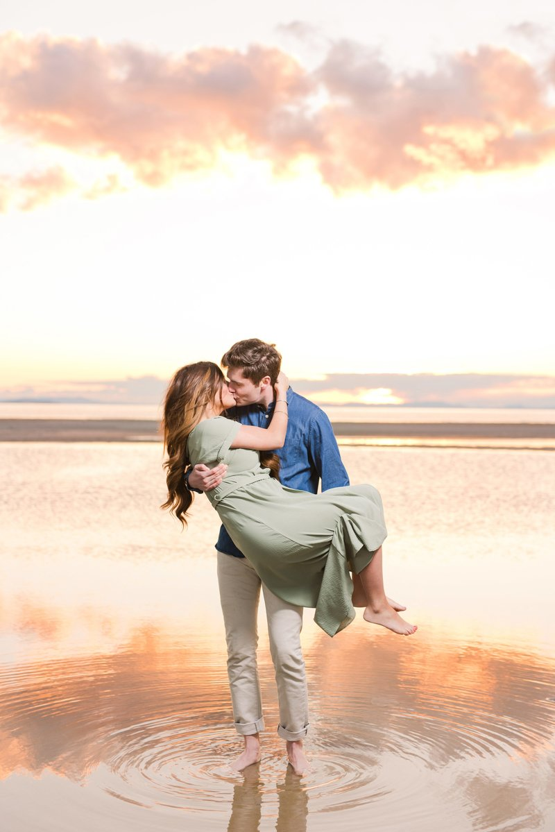 20 Antelope Island Sunset Engagement_Jessie and Dallin Photography