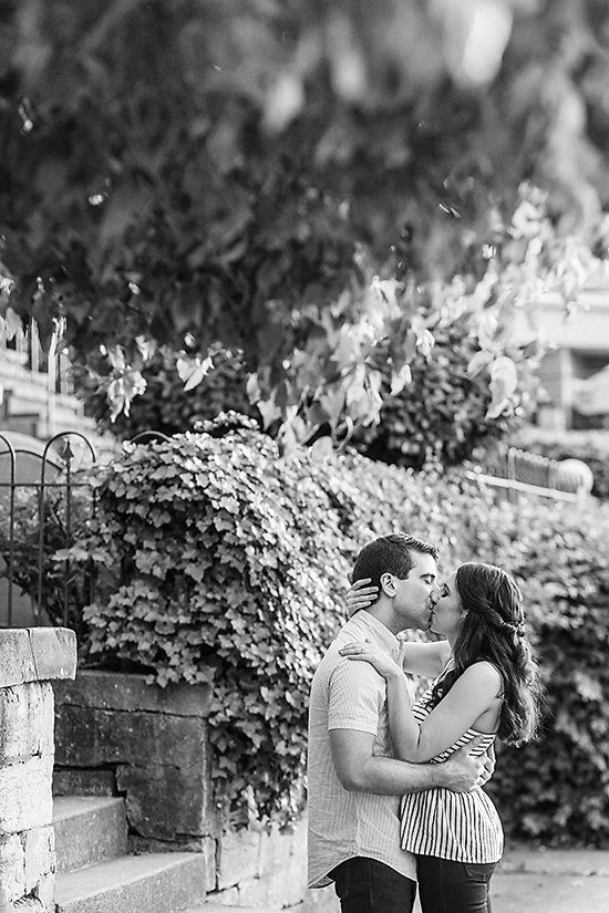 AMBER-DAWSON-PHOTOGRAPHY-COVINGTON-KENTUCKY-ENGAGEMENT-SESSION-0023