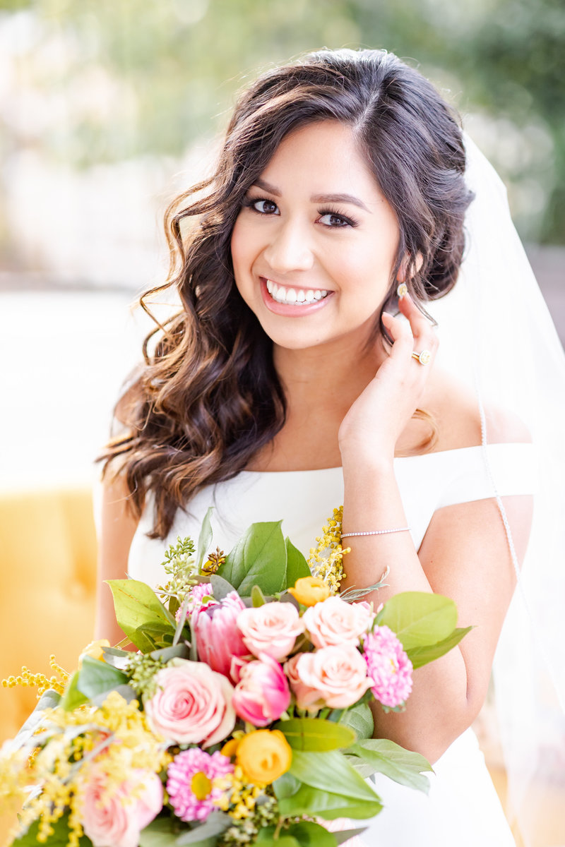 bridal portraits at Kendall Plantation in Boerne, TX