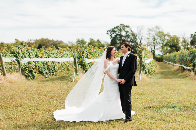 Juliette + Kevin-Upper-Shirley-Vinyards-Charles-City-Virginia-Wedding_Gabby Chapin Photography_00154