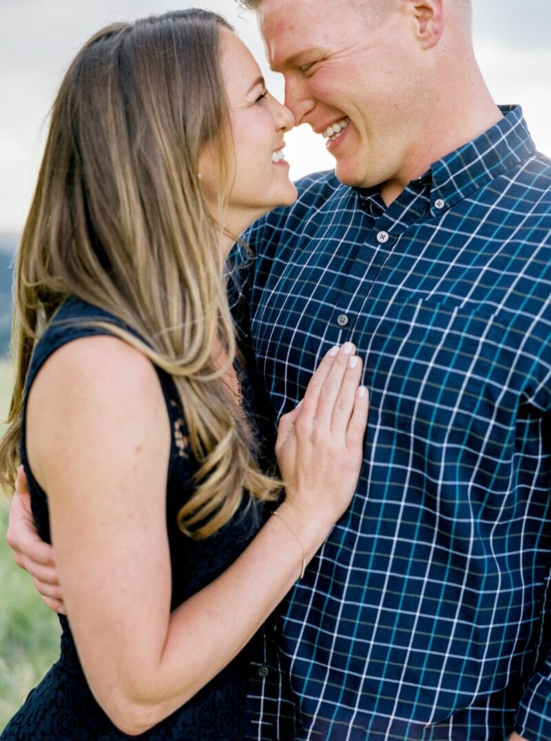 Playful Engagement with a Mountain View_0014
