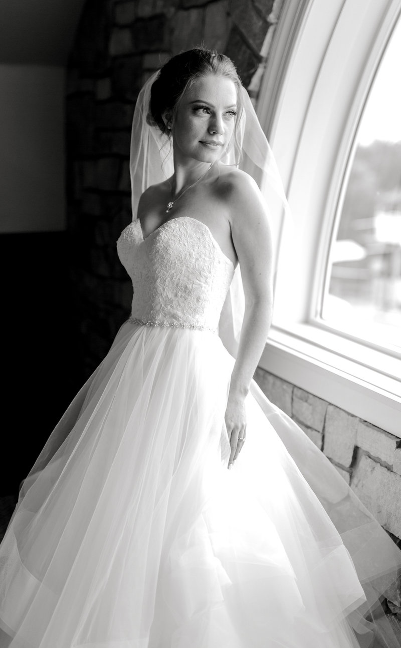 Glen-Oaks-Country-Club-West-Des-Moines-IA-Wedding-J+A-8265
