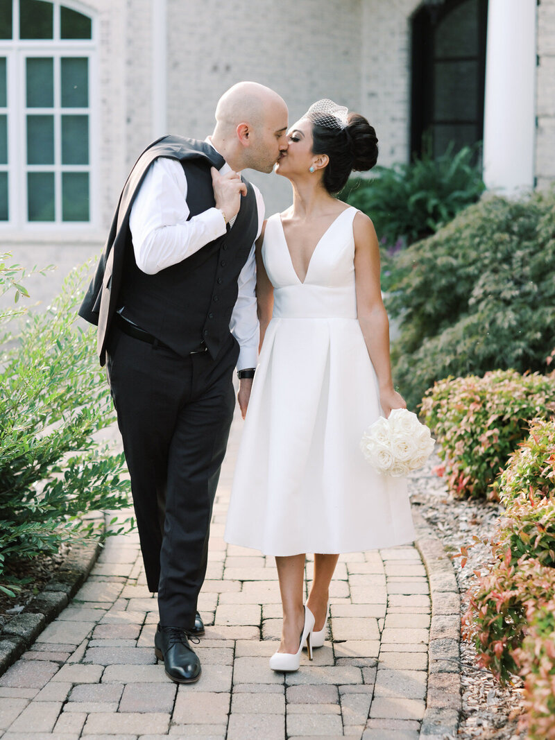 An intimate backyard wedding at a private home in Greensboro, North Carolina