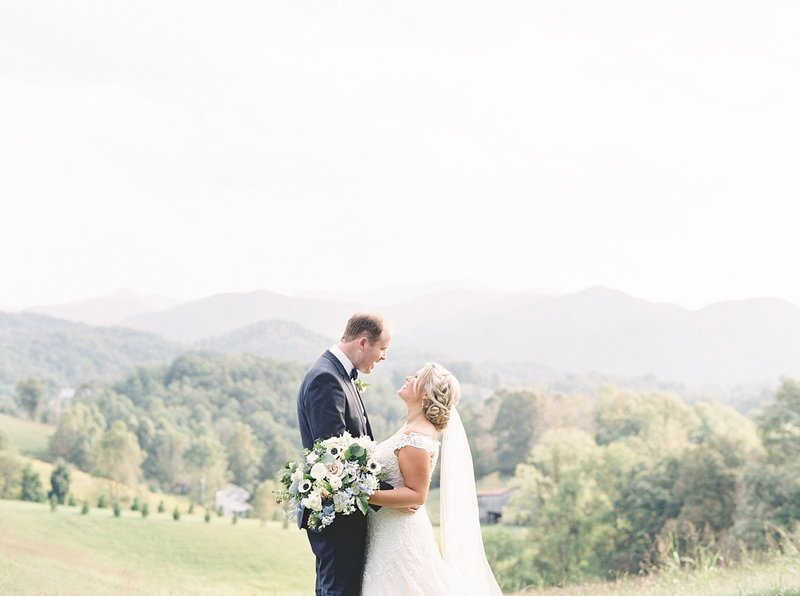 TheRidgeAshevilleWedding_0037