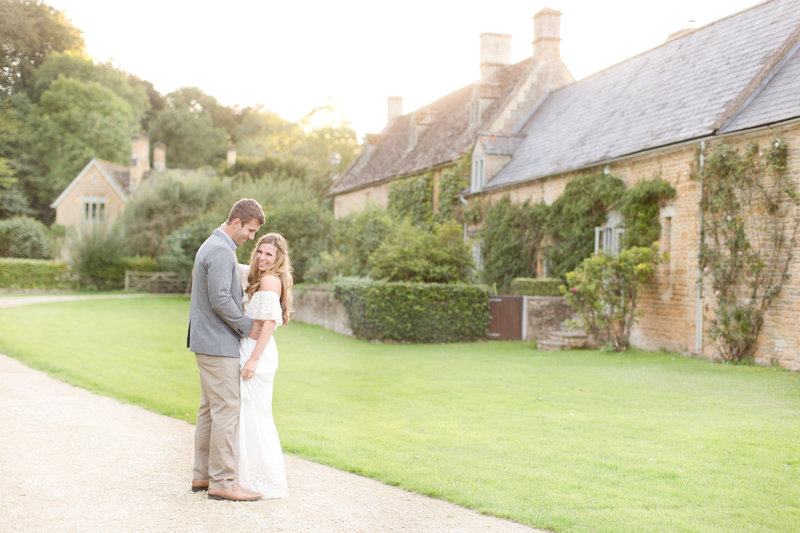 Cottage Portrait Session Cotswolds, England | Amy & Jordan Photography