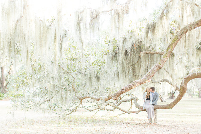 Lush Spanish Moss Portrait Session St. Simons, Georgia | Amy & Jordan Photography