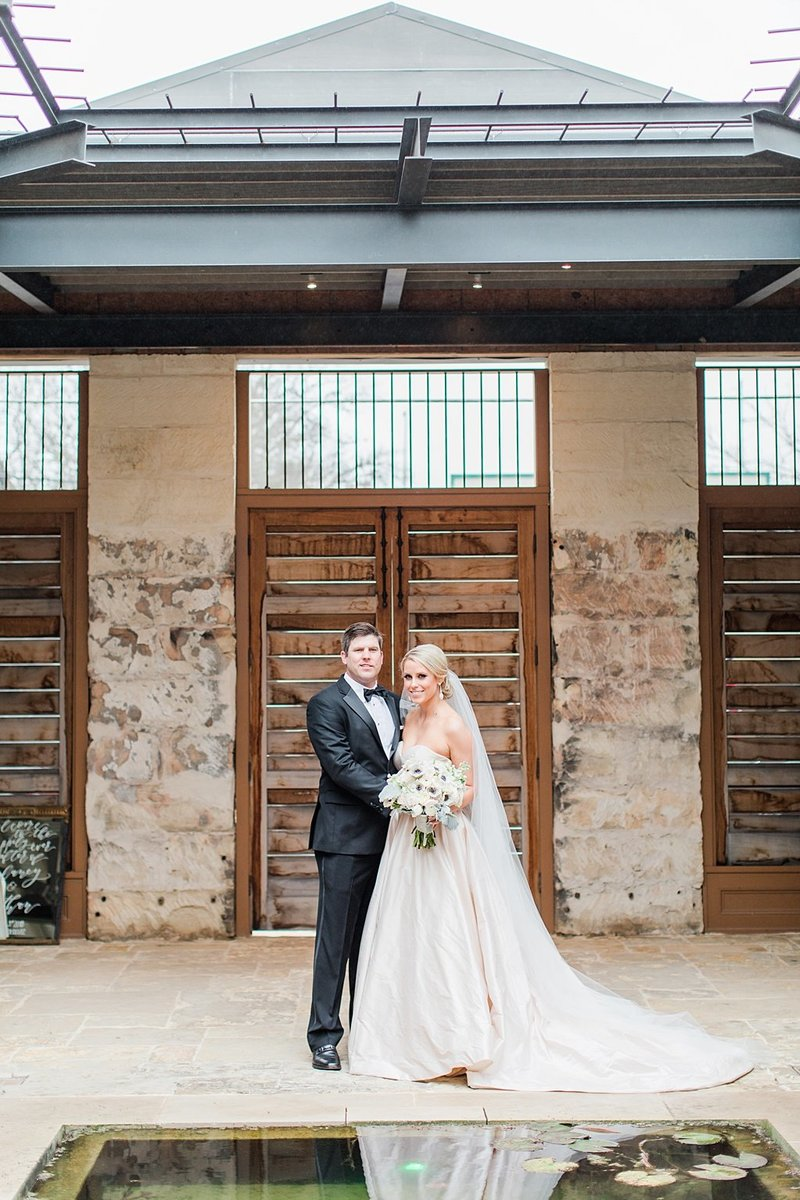 The Ingenhuette on High in Comfort Texas Wedding Venue photos by Allison Jeffers Photography_0038