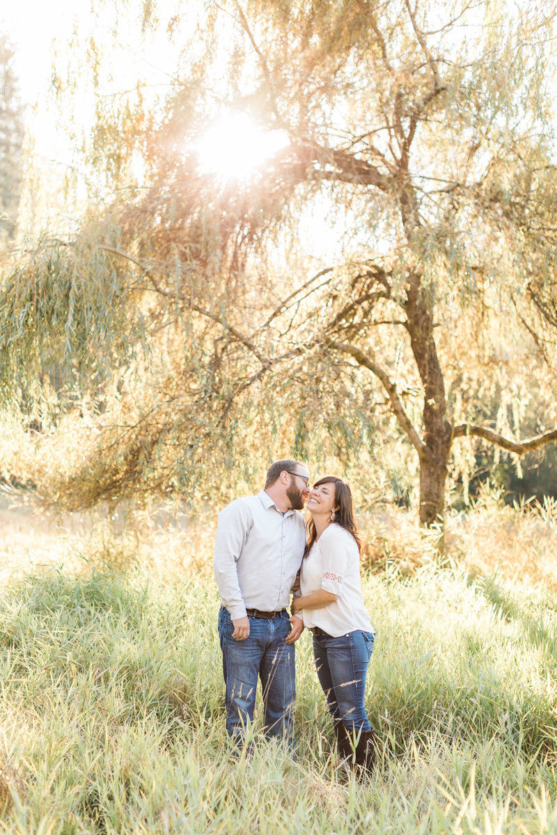 Snohomish_Wedding_Photographer_Dairyland_Engagement_Photos