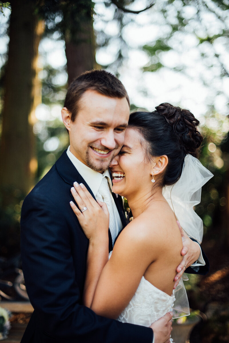 Rebecca Anne Photography is a Seattle Wedding Photographer specializing in capturing your most precious moments in the most natural way.