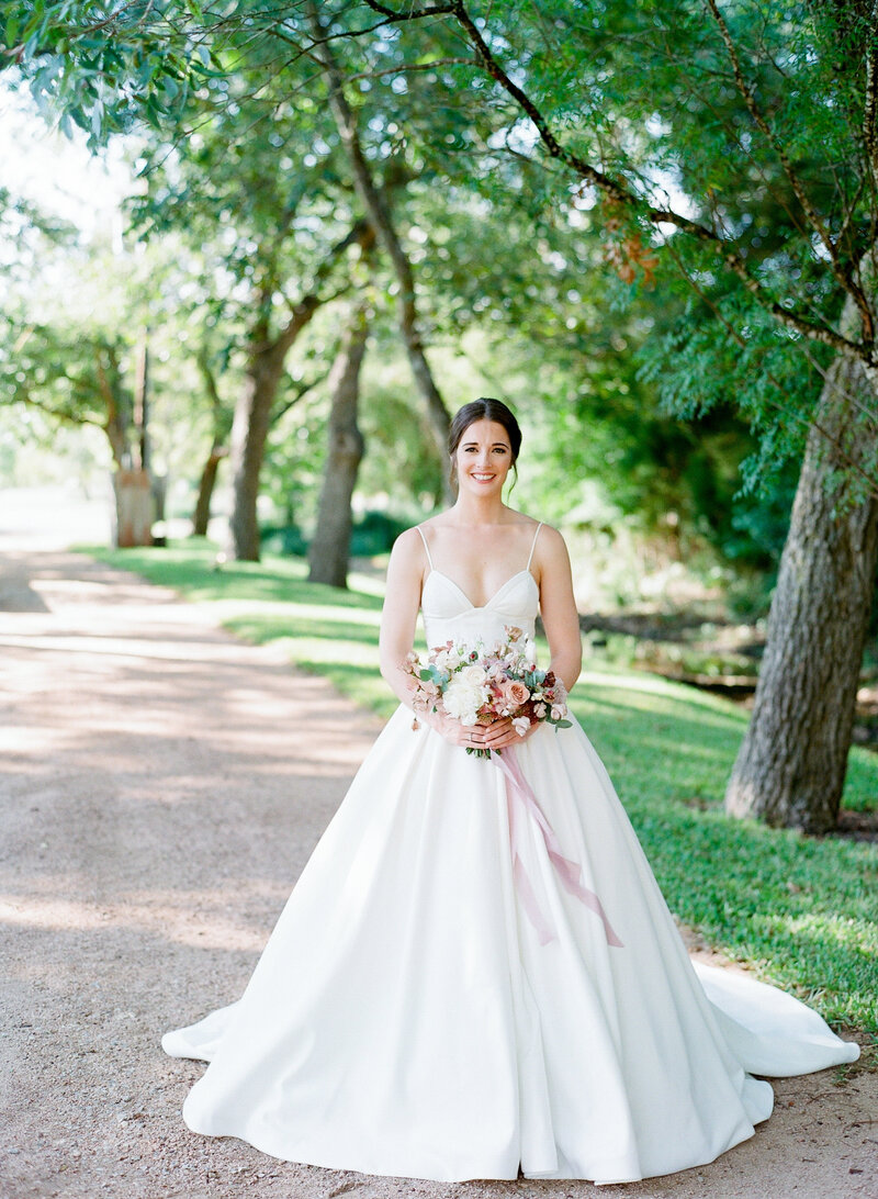 maggie-brent-pecan-spring-branch-wedding-contigo-ranch-frederickburg-52